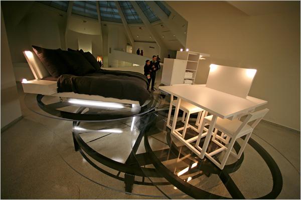 slide2-carsten-holler-revolving-hotel-room