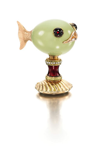 three-color-gold-enamel-bowenite-faberge