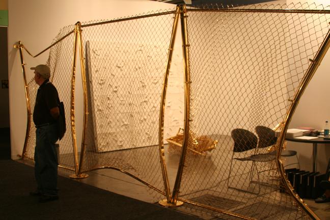 art-basel-2008-aaron-young-fence-miami-borto-iami1
