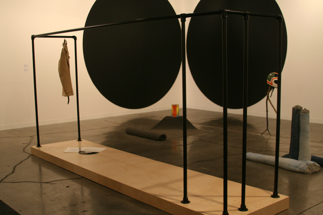 art-basel-2008-tom-burr-black-vinyl-noero1