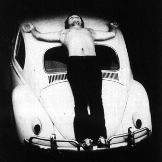 Chris Burden, Trans Fixed- 1974