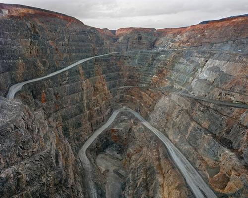 Edward-Burtynsky-Super Pit #1-Kalgoorlie-Western Australia-2007