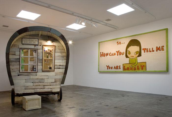 yoshitomo-nara-installation-view-1