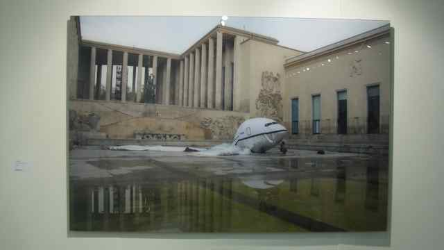 Aleksandra Mir, Plane Landing in Paris #5430, 2008, Galerie Laurent Godin Paris