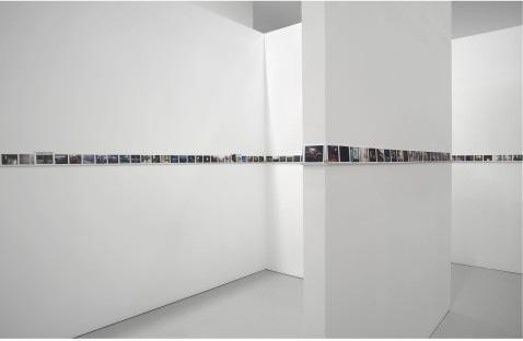philip-lorca-dicorcia-installation-david-zwirner