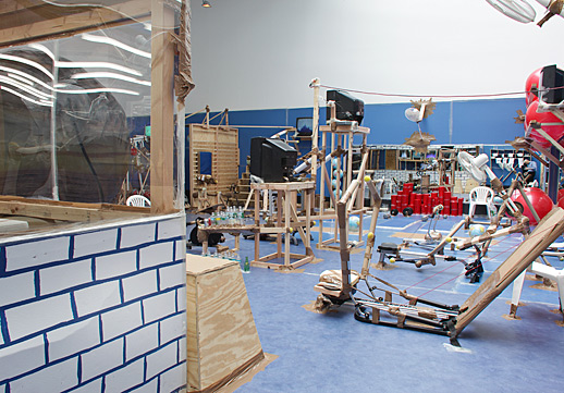 Thomas Hirshhorn-Universal Gym-2009