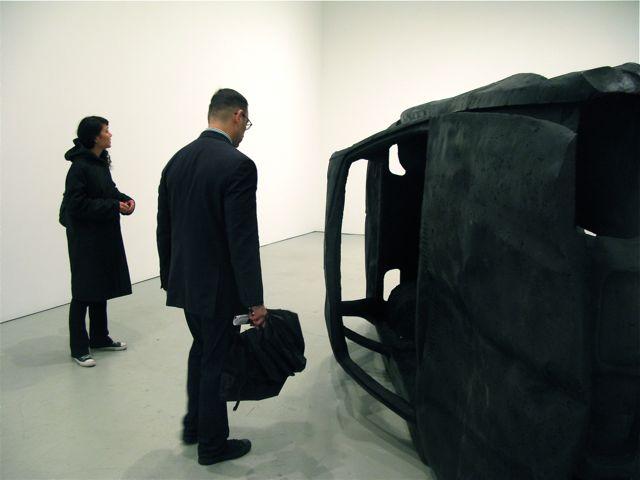 Adel Abdessemed, Practice zero tolerance (retournée), 2008