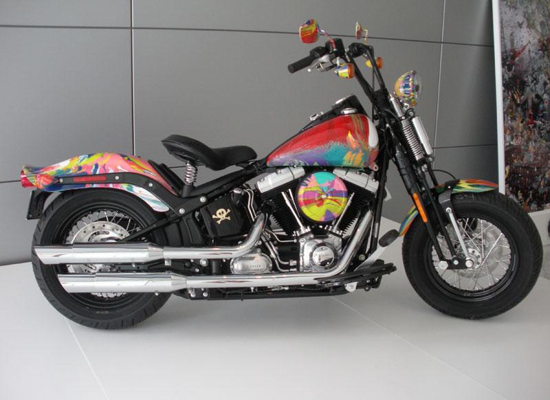 damien-hirst-spin-harley-davidson-motorcycle