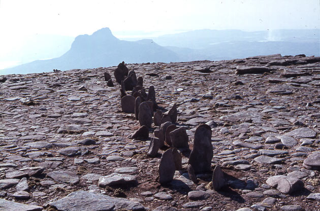 Richard Long-A line in Scotland-1981