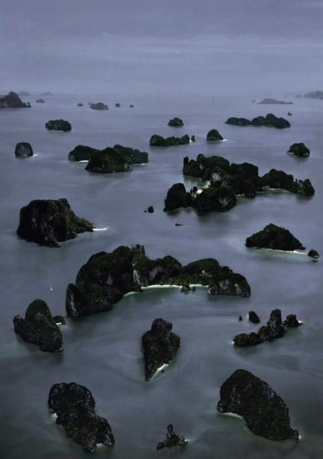andreas-gursky-james-bond-island-iii