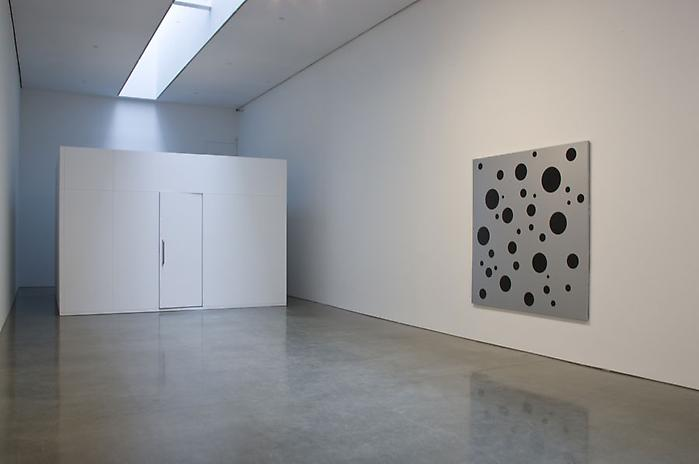 kusama-installation-at-gagosian