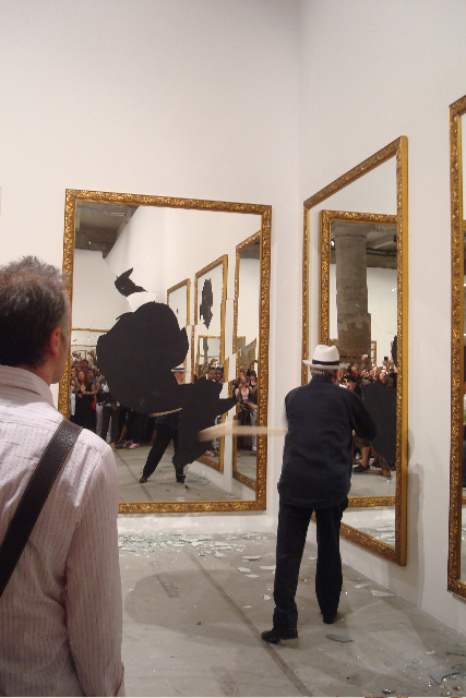 michaelangelo-pistoletto-seventeen-one-less