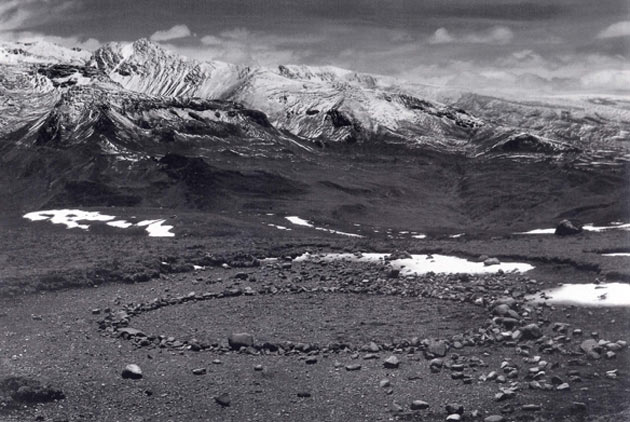 Richard Long-A Circle in the Andes
