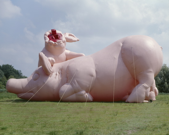 Paul mcCarthy, Piggies, Air Pressure, De Uithof