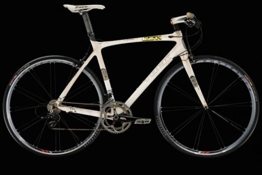 lance-armstrong-trek-madone-bike-kaws-barry-mcgee-2-540x362