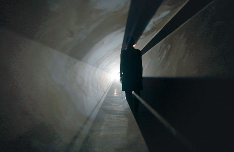 Anthony McCall Moderna Museet Doubling Back2