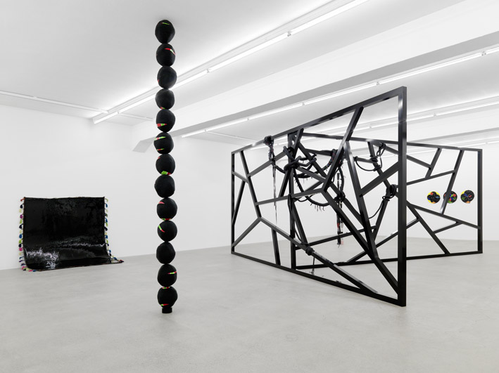 Eva Rothschild Galerie Eva Presenhuber Natural Beauty Nerfertiti