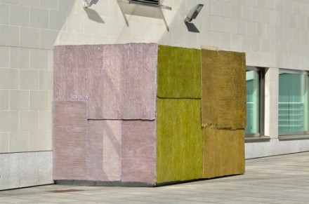 Jürgen Drescher, House of Carpets, 2012 courtesy Klosterfelde and Rodolphe Janssen