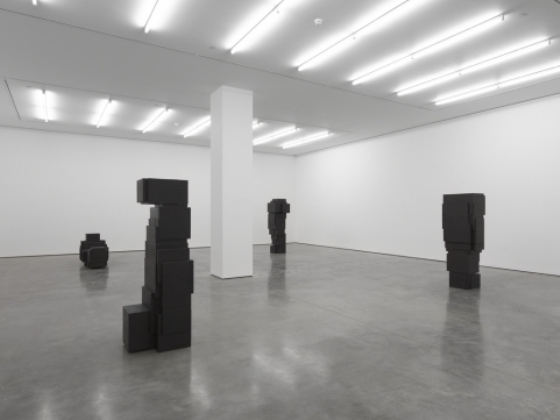 Antony Gormley, White Cube, Model -installation view