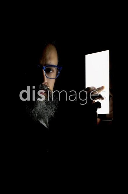 Frank Benson, iChiaroscuro 137 (2013), via DIS Images