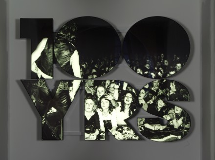 Doug Aitken, 100 YRS (2013), Courtesy of 303 Gallery