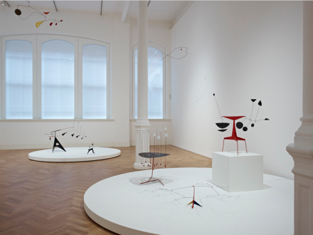 Alexander Calder, Calder After the War (Installation View), courtesy of Pace London