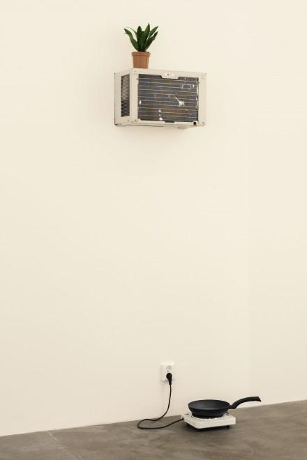 Mika Rottenberg, Tsss (2013), via Magasin 3