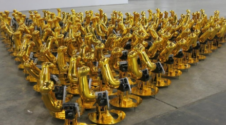 Liu Xinyi, Automatic Arms, 2010, via ArtInfo