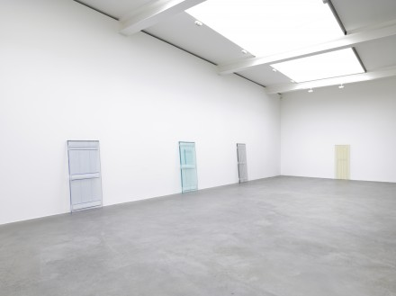 Rachel Whiteread, Detached (Installation View) © Rachel Whiteread. Courtesy Gagosian Gallery, Photo Mike Bruce