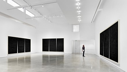 Richard Serra, Double Rifts (Installation View),  All artwork © Richard Serra. Courtesy of the artist and Gagosian Gallery. Photography by Douglas M. Parker Studio. 3