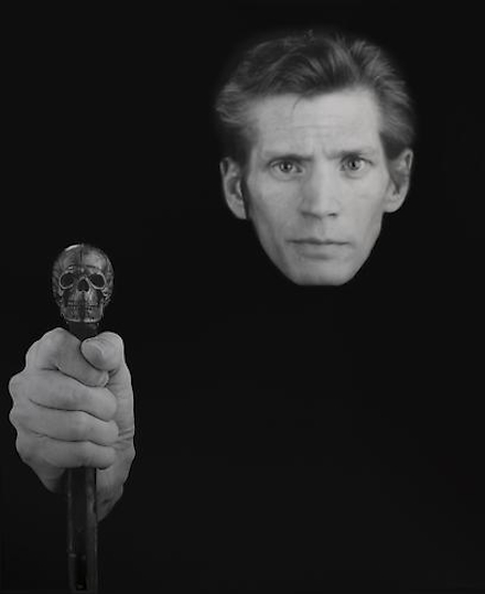 Robert Mapplethorpe, Self Portrait (with cane) (1988), courtesy Skarstedt Gallery