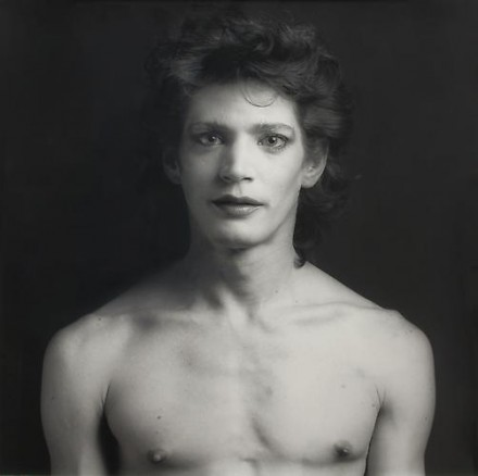 Robert Mapplethorpe, Self Portrait (with makeup), NYC, (1980), courtesy Skarstedt Gallery