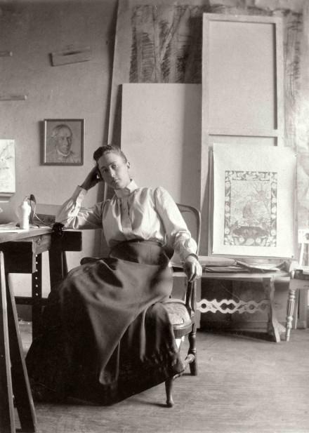 Hilma af Klint in her studio (1895), courtesy Hamburger Bahnhof