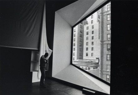 Robert Irwin sets up his installation at the Whitney in 1977, via New York Times