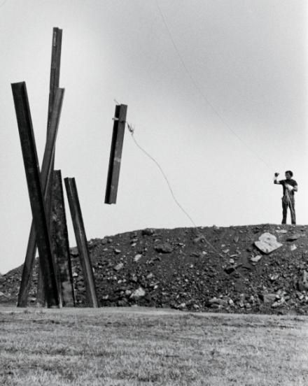 Chris Burden, Beam Drop (1984), Art Park, Lewiston, NY. Photo Chris Burden