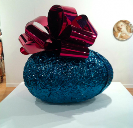 Jeff Koons, Baroque Egg with Bow at Gagosian, via Daniel Creahan for Art Observed