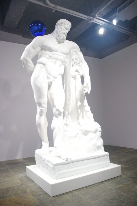 Gazing-Ball-Farnese-Hercules-by-Jeff-Koons-at-The-Whitney