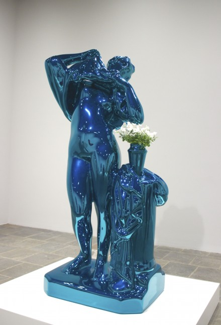 Metallic-Venus-by-Jeff-Koons-at-The-Whitney