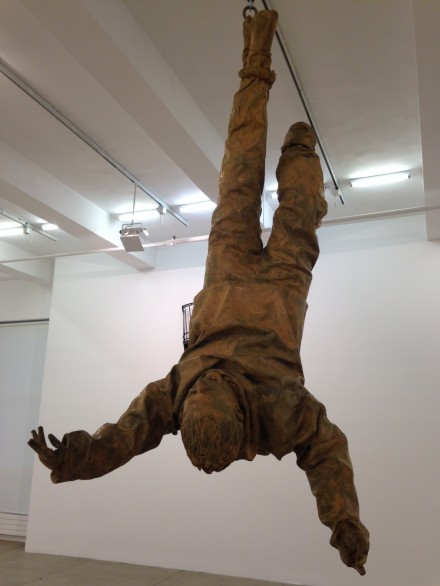 Juan Muñoz, Figure Hanging From One Foot (2001)