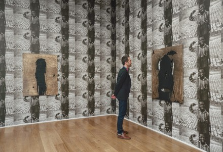 Rashid Johnson, Smile (Installation View)