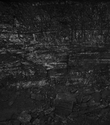 Miles Coolidge, Coal Seam, Bergwerk Prosper-Haniel 1 (2013), via ACME
