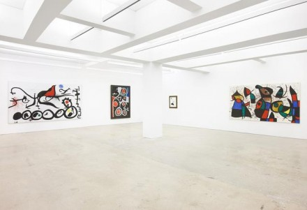 Joan Miró, Oiseaux dans L'Espace (Installation View), via Nahmad Contemporary