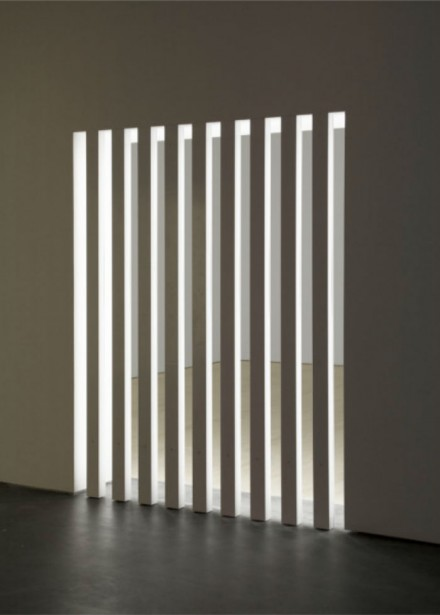 Dan Flavin, untitled (to Dorothy and Roy Lichtenstein on not seeing anyone in the room) (1968)