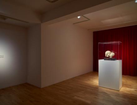 Francesco Vezzoli, Eternal Kiss (2015), via Almine Rech