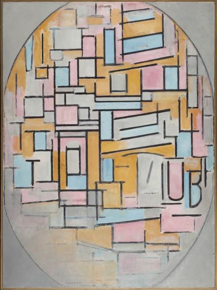 Piet Mondrian, Ovale Komposition mit Farbflächen (1914), photo courtesy Martin Gropius Bau © Gemeentemuseum Den Haag, Nie-derlande