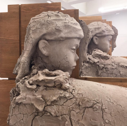 Mark Manders, Room with Unfired Clay Figures (2015), via Rae Wang for Art Observed